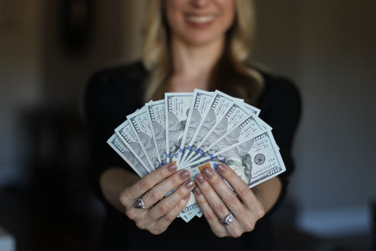 كيف تكسب المال من المنزل؟ الدليل النهائي 2021