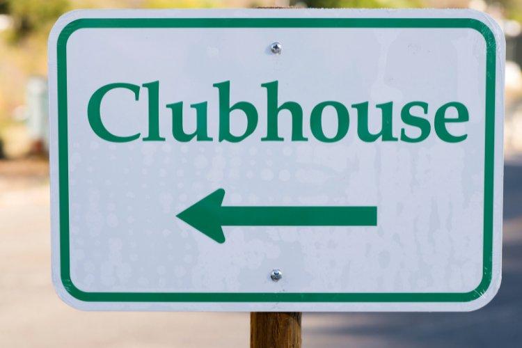 كيفية الترويج لعلامتك التجارية في Clubhouse: دليل كامل